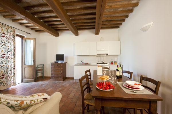 Casale le selvette appartamenti vacanze in umbria per gruppi - Idee per arredare soggiorno con angolo cottura ...